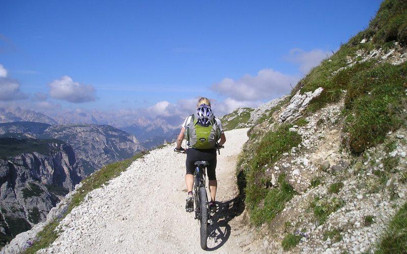 mountain-bike-175215_1920